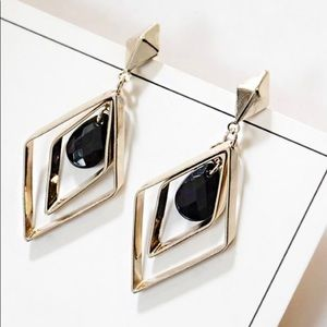 Jewelry - Geometric black crystal earrings